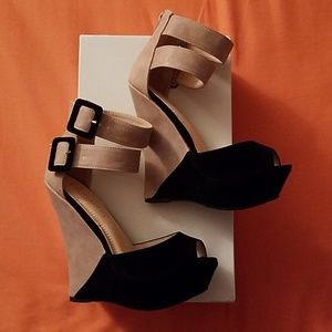 NWOT Liliana Wedges